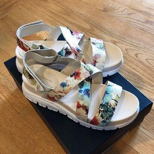 Size 6.5 Cole Han Floral Snakeskin Sandals
